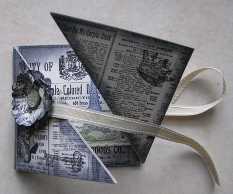 Triangle card inside 3
