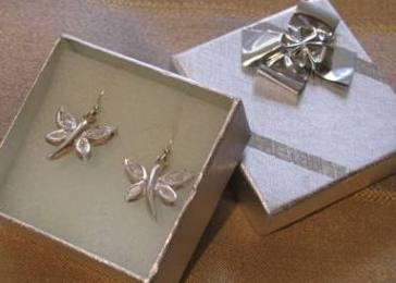 Brides earrings 1