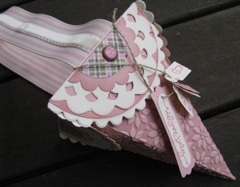 Petal Cone baby basket bl2