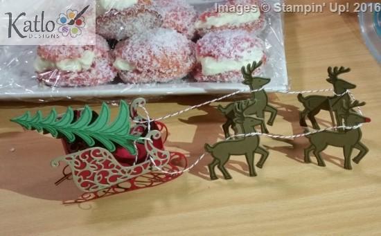 Santa's Sleigh Centrepiece (6)